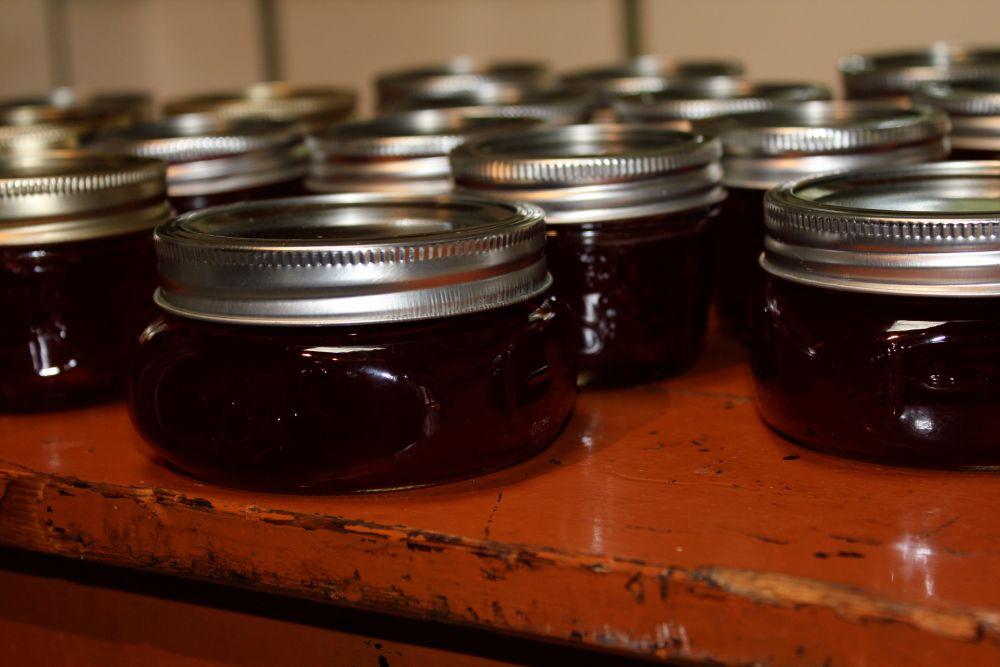 highbush cranberry jelly  & thumbprint cookies (2/5)