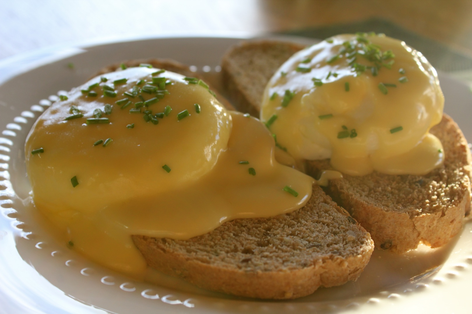 eggs benedict for breakfast | cabinorganic
