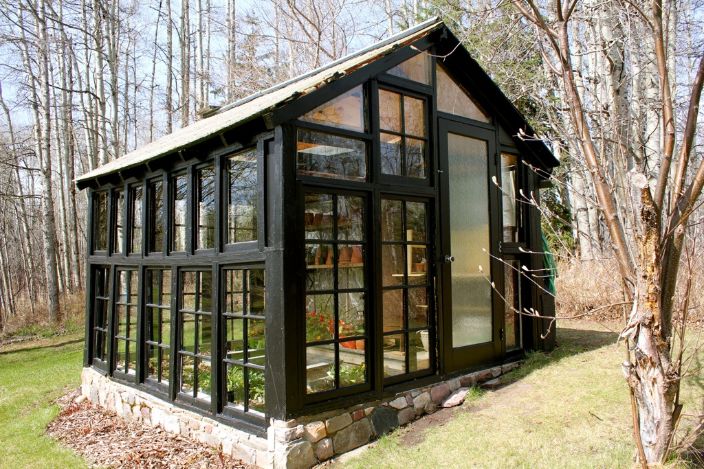 Greenhouse made from old windows cabinorganic for How to make house green